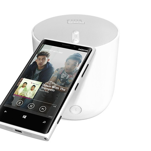 Nokia Lumia 920 and the Lumia 925-Younger is Better