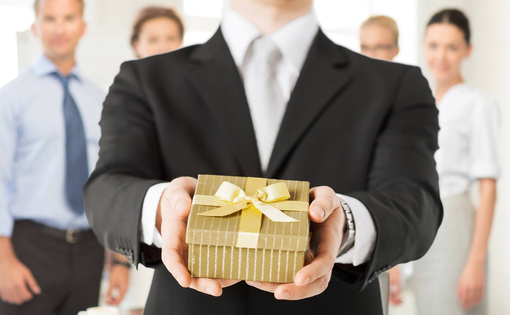 Corporate Gifts-Making The Right Impression On The Right People