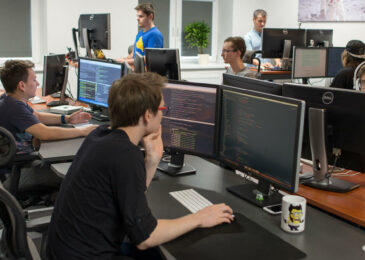 How to Hire Developers That Are in High Demand